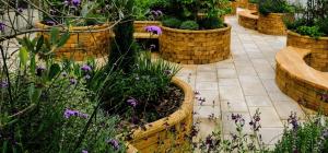 Quels types de jardinières surélevées puis-je construire avec WoodBlocX?